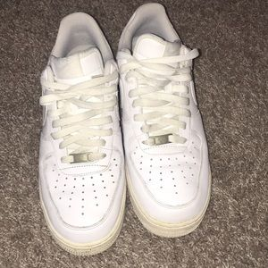 men's white airforce ones